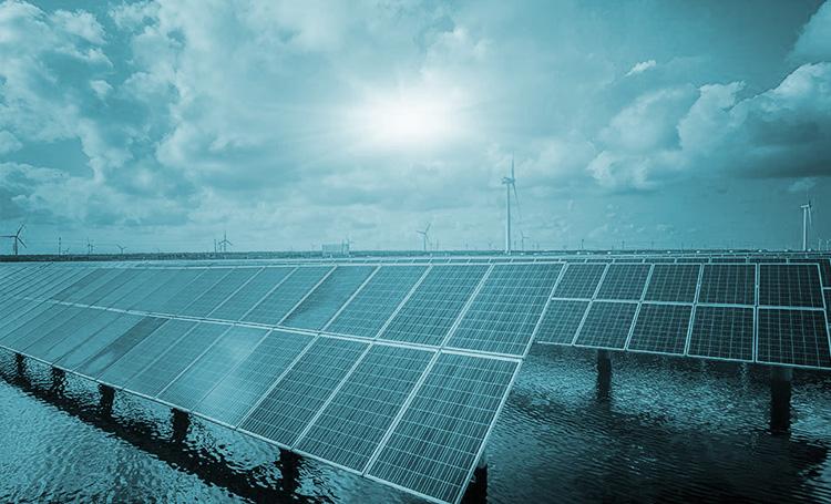 Regering plaatst zonnepanelen op zee